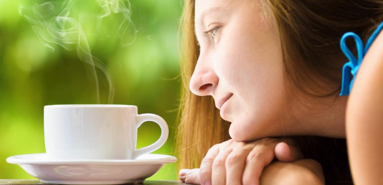 Como a cafeína atua no organismo?